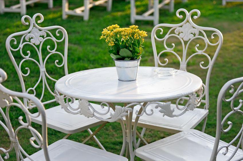 Стол для сада фото