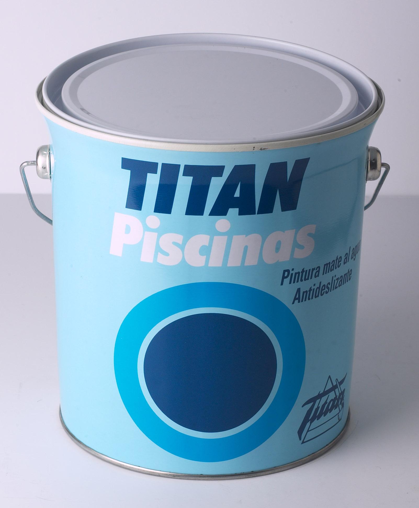 TITAN PISCINAS AL AGUA